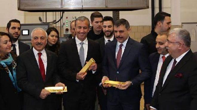 Maduro`nun yardımcısı, altın rafinerisine hayran kaldı