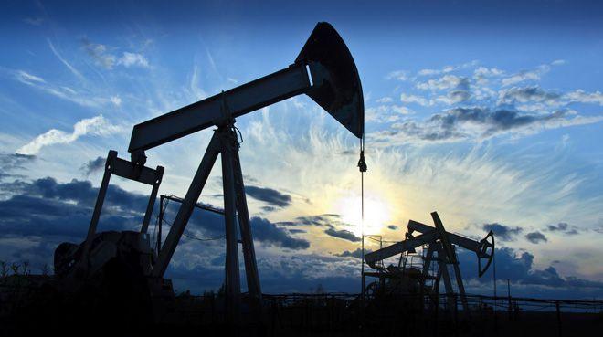 Petrol 2 yılın zirvesinden yükseldi