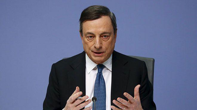 Draghi basın toplantısında konuşuyor
